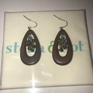 STELLA & DOT wooden dangle earrings